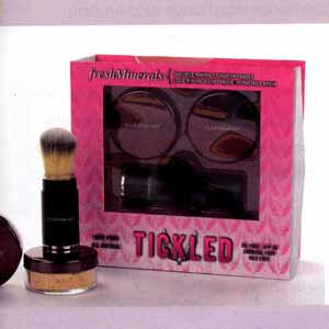 72-freshMinerals Tickled Kit in Schoonheidsspecialist april-2010_WEB.jpg